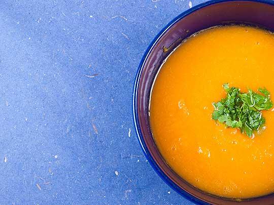 Karotten-Pastinaken-Suppe mit Ingwer